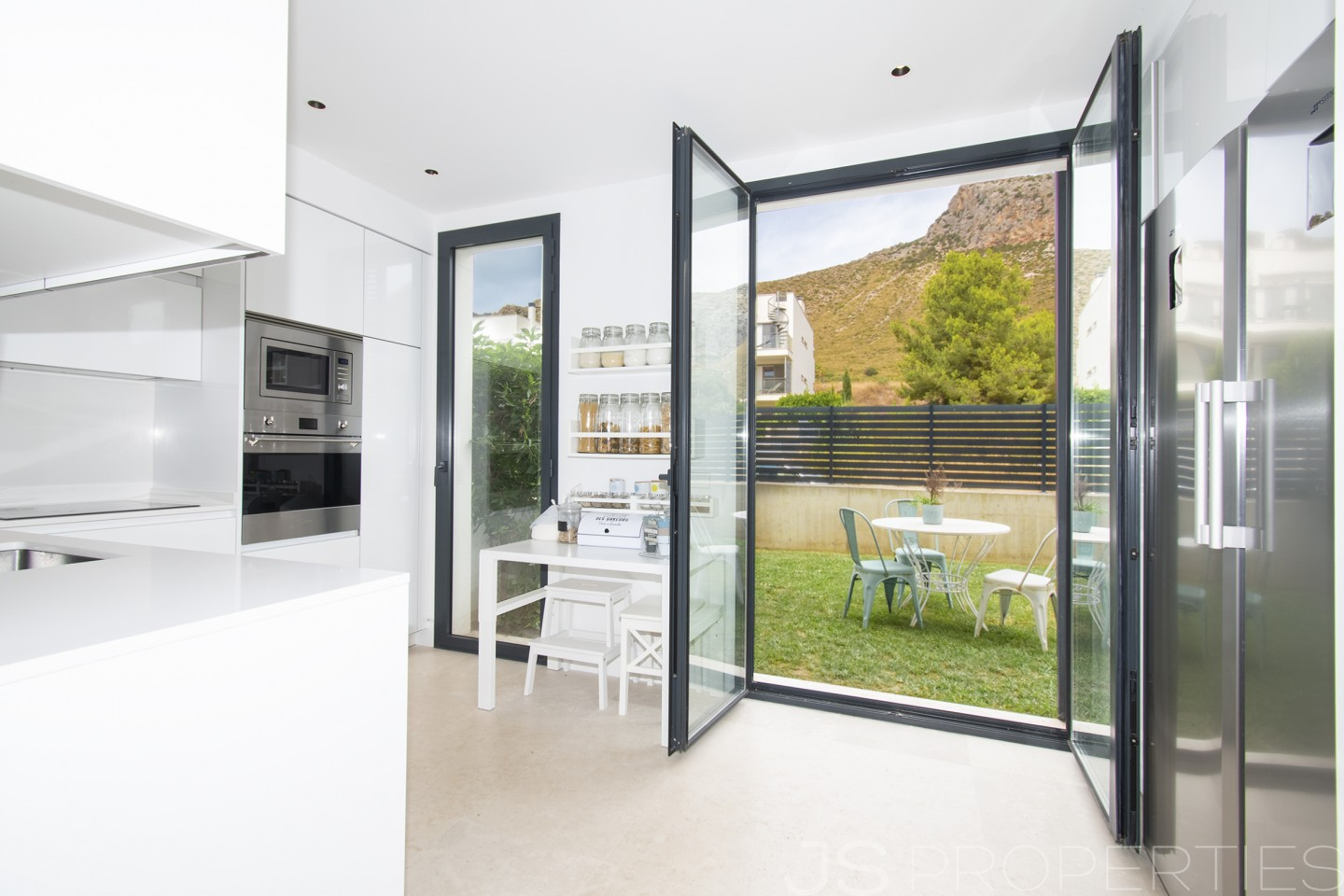 MAGNIFICENT AND MODERN GROUND FLOOR IN PUERTO POLLENSA