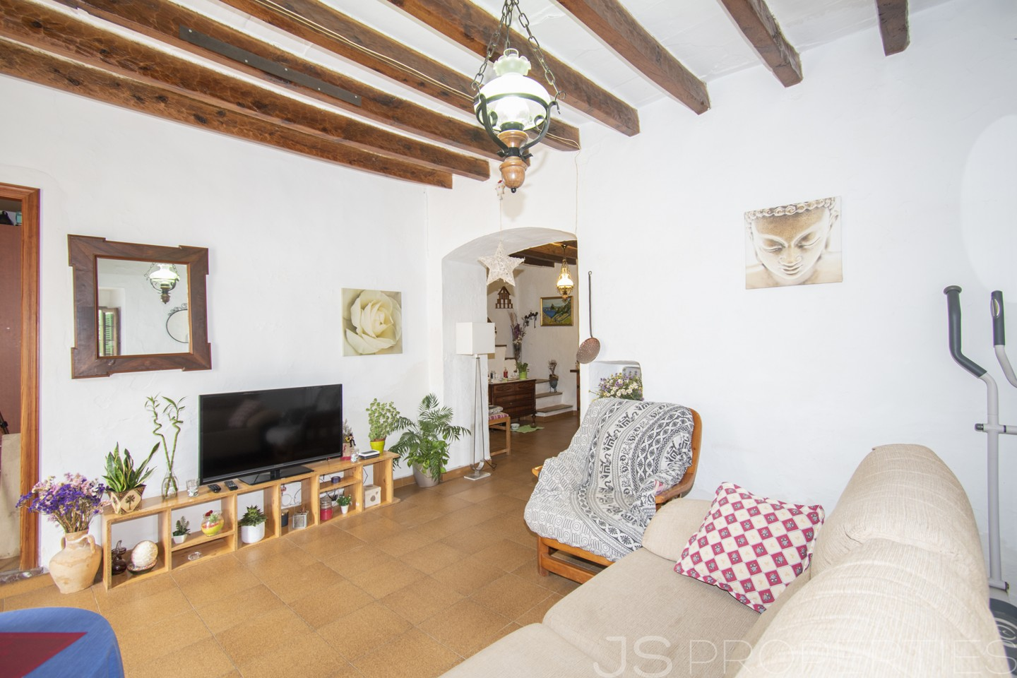 Traditional Mallorcan House within walking distance to Pollensa Old Town.