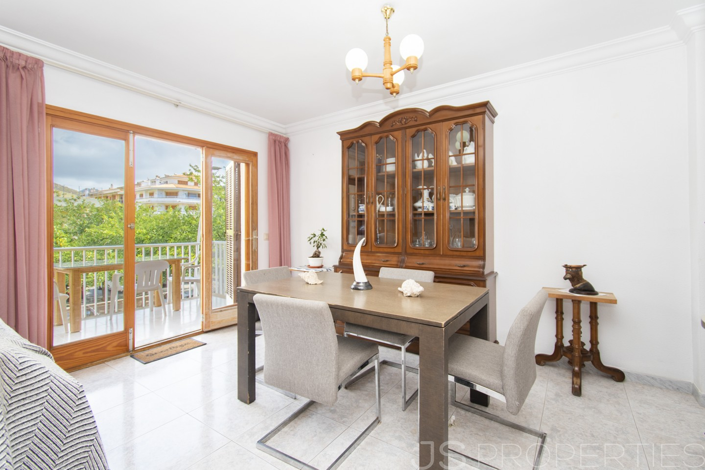 FOUR BEDROOM APARTMENT WITH BALCONY IN PUERTO POLLENSA