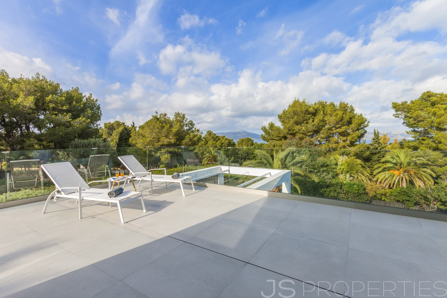 MODERN, BRAND NEW VILLA WITH SEA VIEWS FOR SALE IN THE NORTH