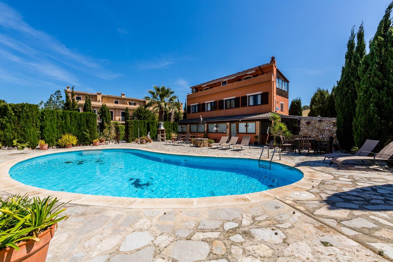 Js properties real estate tu inmobiliaria de lujo en for Villa bonita mucho lote